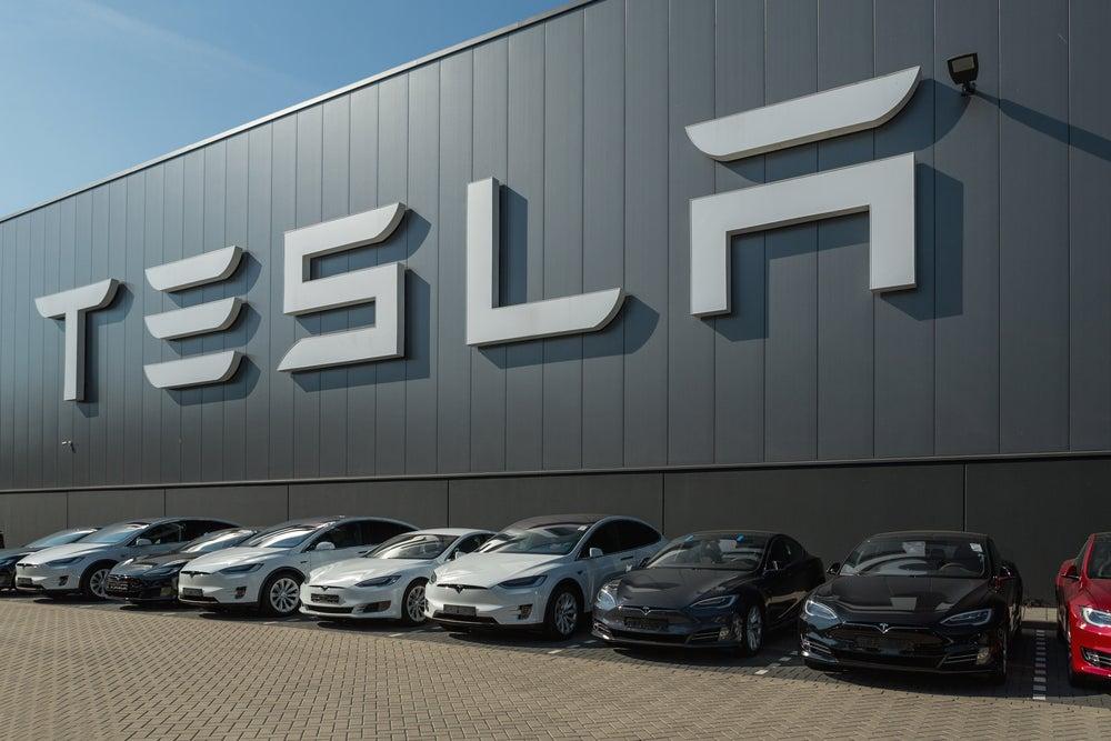 Tesla begins autopilot update rollout for new-gen models