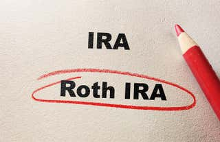 New data from the Investment Company Institute highlights the differences between Roth and IRA holders.