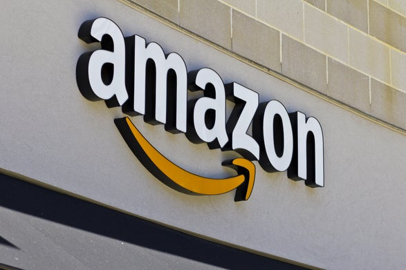 Amazon Nears $1,000 Mark. Is it Overbought?