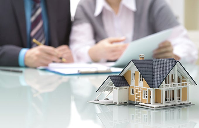 How Real Estate Agent and Broker Fees Work | Investopedia