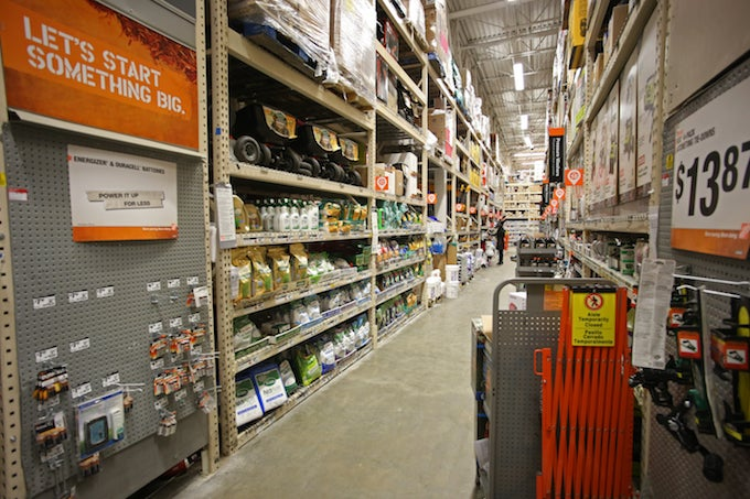 aisle of home depot
