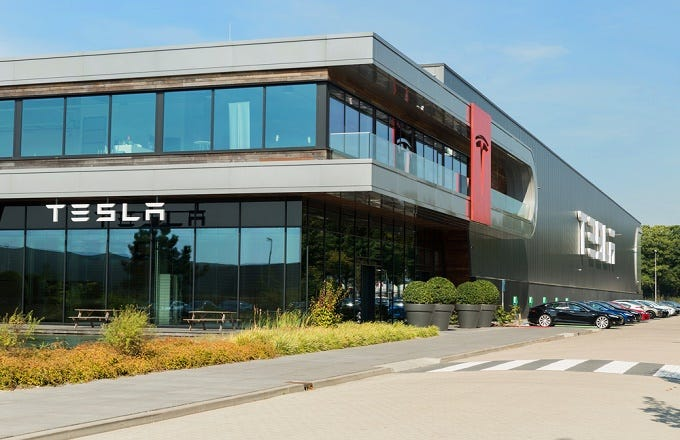 Tesla S Workers Are In Touch With Uaw Organizers Tsla