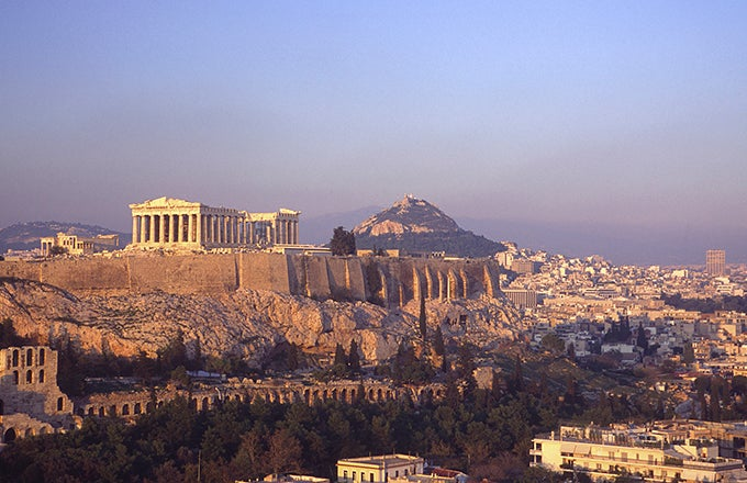 an examination of the economy of the city of corinth in greece Located on the isthmus which connects mainland greece with the peloponnese, surrounded by fertile plains and blessed with natural springs, corinth was an important city in greek, hellenistic, and roman times.