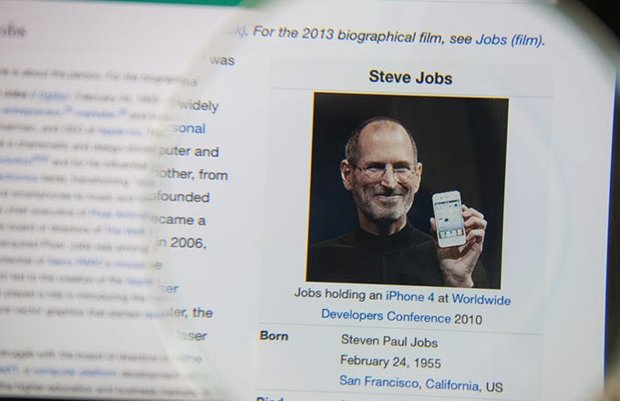 steve jobs biography essay example Walter isaacson's biography of steve jobs is in some ways another product created from the mind of its subject though jobs was insistent that he wouldn't interfere with the writing of the.