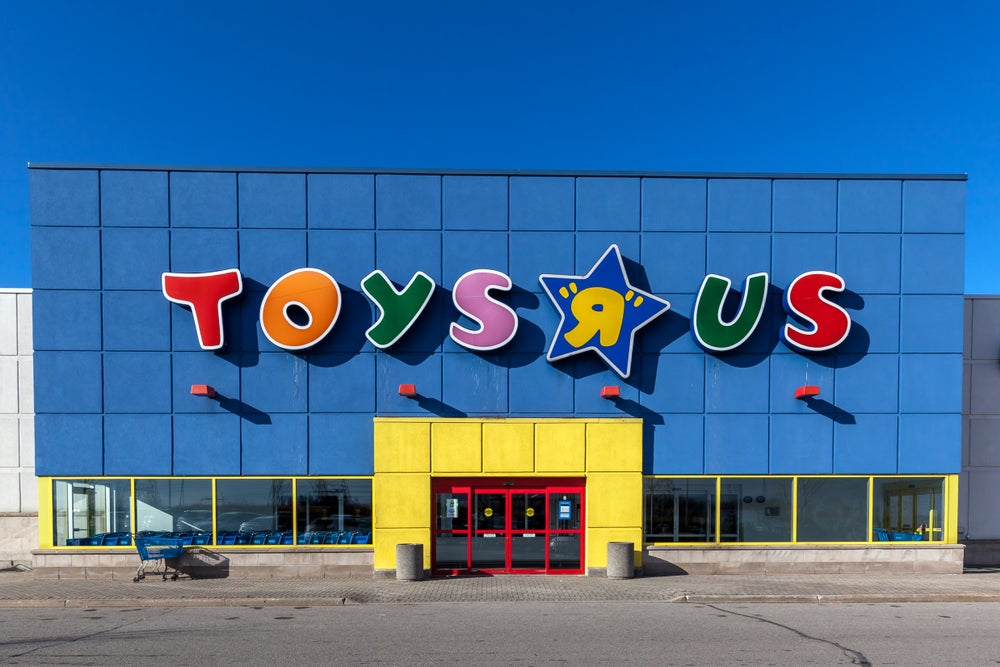amazon circles toy market after toys r us demise investopedia. Black Bedroom Furniture Sets. Home Design Ideas